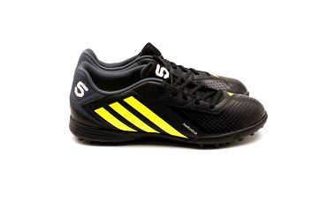 Pánské žluto-černé kopačky Adidas