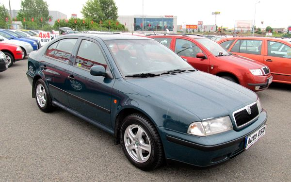 Škoda Octavia 1.6, 1.maj,Serv.kniha,ČR 2003