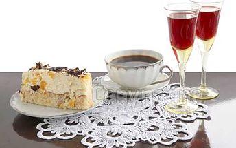 Káva s dezertom či vínko