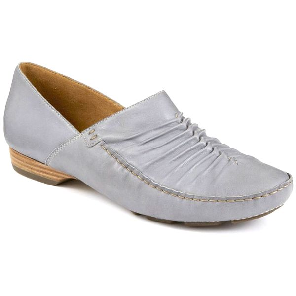 Dámské bleděmodré boty s menším podpatkem Clarks