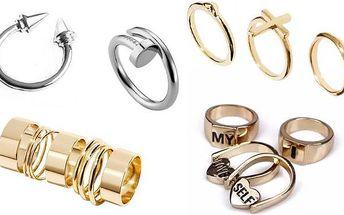 Prsteny různých tvarů a stylů – jednotlivé nebo celé sady