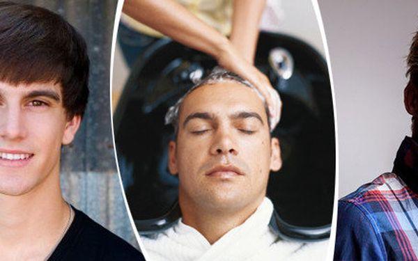 Pánské stříhání a masáž hlavy s chladivým tonikem firmy Londa ve studiu Rebels In na Stodolní ulici