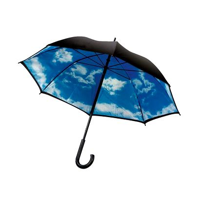 Deštník s potiskem oblohy na vnitřní straně