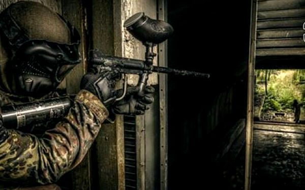 Celodenní paintball na vojenské základně + 100 kuliček