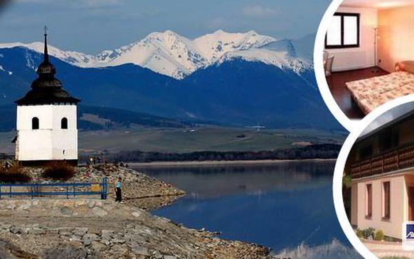 Slovensko - 3 až 8 denní pobyt pro 2 či 3 osoby v malebné obci Habovka s lahví vína na uvítanou. Ubytování v útulné chatěZuzana s altánkem a venkovním krbem a malebná příroda Západních Tater. Vhodné pro rodiny s dětmi.