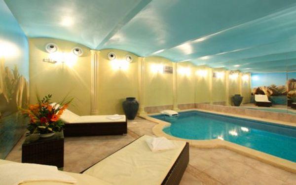 Stylový pobyt v luxusním 4* hotelu v klidné části Prahy pro dva s polopenzí a wellness