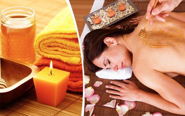 Detoxikační medová masáž šíje a zad