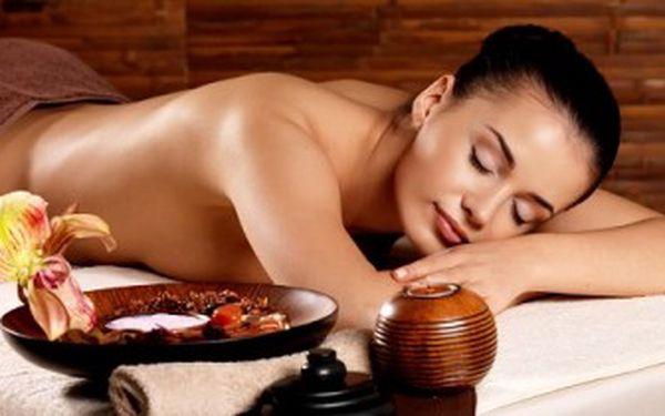 Luxusní masáž lávovými kameny a kakaovým máslem. Příjemná voňavá masáž s platností do BŘEZNA.