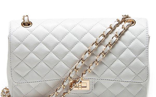 Dámská bílá prošívaná kabelka s řetízkem Carla Ferreri