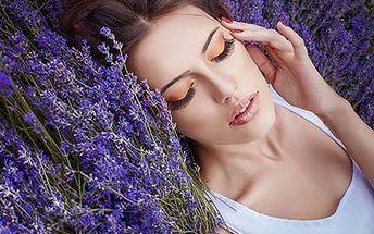 Relaxační masáž exkluzivním levandulovým olejem z ...