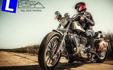 Kurz bezpečné jízdy na motorce: teorie i praxe a certifikát