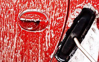 Ruční mytí vozu včetně interiéru v Automyčce Poruba v Ostravě