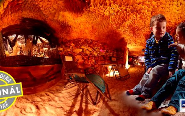 Pobyt v solné jeskyni pro rodinu, přátele nebo pár. Pravidelný pobyt v solné jeskyni působí jako prevence či podpůrná léčba při mnoha obtížích. Solná jeskyně je ideálním místem pro ozdravné chvíle. Přijďte s partnerem nebo rodinou.