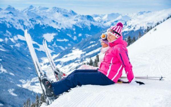 První lyžování pro celou rodinu v českém penzionu v rakouských Alpách s wellness
