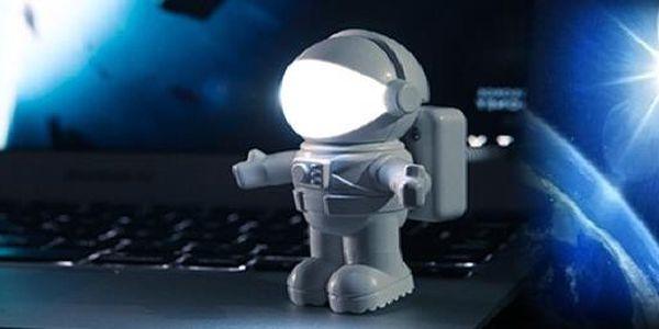 USB Lampička Astronaut !! Velmi praktická USB lampička je v současnosti mimořádný hit po celém světě .