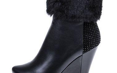 Dámské černé kotníkové boty s kožíškem a kamínky 1to3