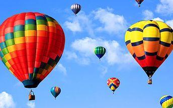 Hodinový let balonem včetně instruktáže a občerstvení!
