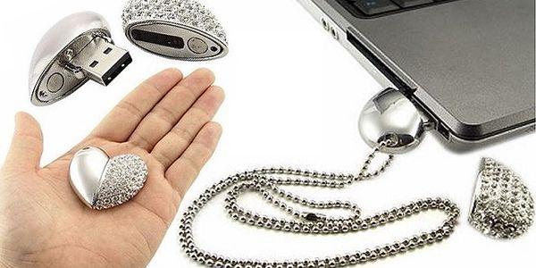 Exkluzivní flash disk, který může být i šperkem