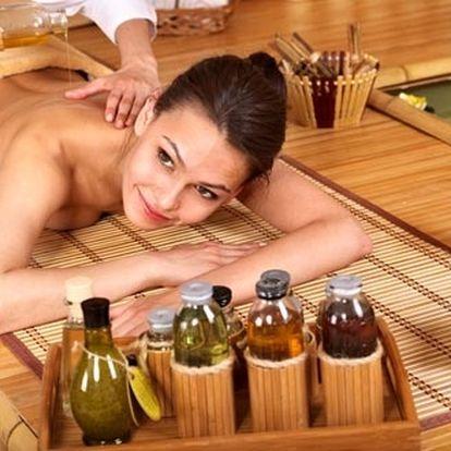 Hodinová masáž horkými lávovými kameny v kombinaci...