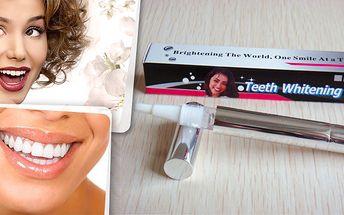 Pero na bělení zubů v akci!