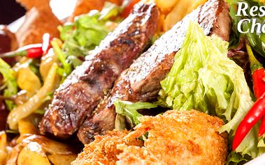 Prkno grilovaného masa pro dva jedlíky