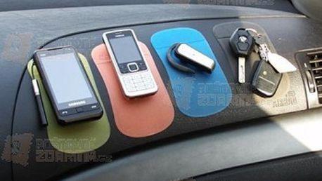 Nanopodložka do auta - 7 barev a poštovné ZDARMA! - 9999903448