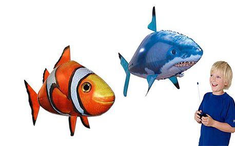 Neobyčejná zábava s obrovskou létající rybou Air Swimmers naplněnou heliem nikdy nekončí. Hi-tech hračka oblíbená po celém světě promění váš domov na realistické podmořské akvárium. Objevte zcela nový druh zábavy nyní za 167 Kč včetně poštovného!