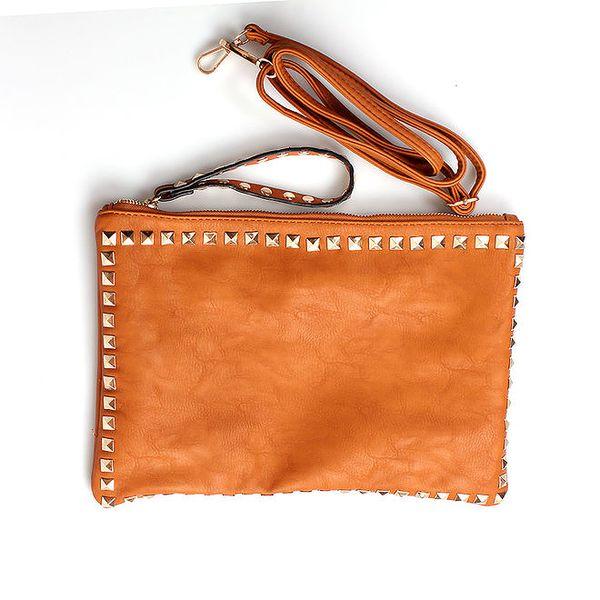 Dámská oranžovo-hnědá kabelka London Fashion s čtverhrannými cvočky
