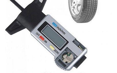 Digitální měřič hloubky dezénu pneumatiky
