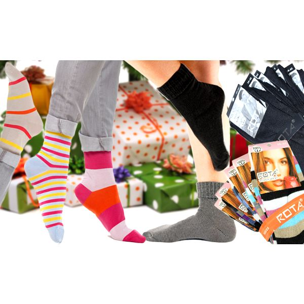 20 párů dámských nebo pánských ponožek s poštovným