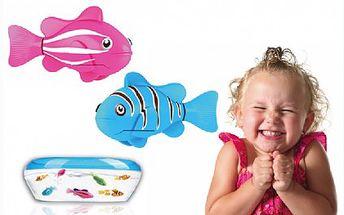 Robotická rybka se sama zaktivuje ve vodě, potápí se, plave do všech stran. Na výběr z několika barevných provedení.