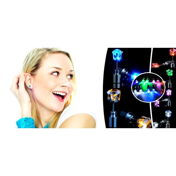 Buďte originální!Pár svítících LED náušnic. Jsou výborným doplňkemna párty, večerní procházky a nebo si můžete ozdobit ouška světýlky k vánočnímu stromečku!