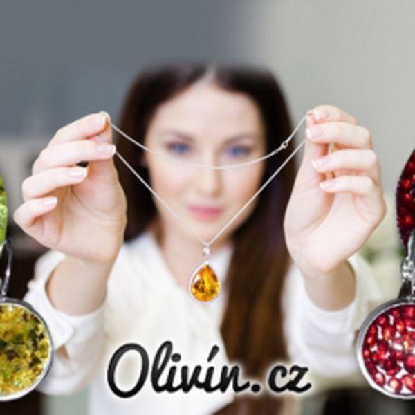 Sada šperků z českého granátu nebo olivínu! Náušnice, přívěsek a kovový řetízek, který ozdobí každou ženu!