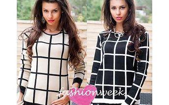 Krásný svetr kostkovaný
