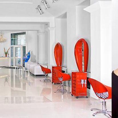 Dámský nebo pánský střih včetně mytí a foukání v luxusním studiu na Praze 2