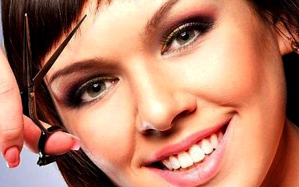 Kompletní střih s masáž hlavy se sérem pro lepší růst vlasů