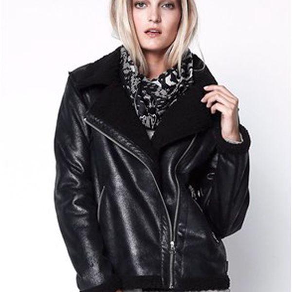 Dámská bunda s umělou kožešinou v motorkářském stylu