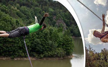 Adrenalinový seskok a zhoupnutí z mostu Swing Jump