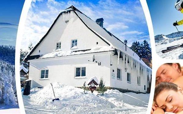Jeseníky - Víkendový pobytpro 2 osoby s polopenzí, výletem a masáží. Přijeďte si odpočinout - skvělé terény pro turistiku i lyže. Centrální část Jeseníků, v blízkosti Karlovy Studánky.