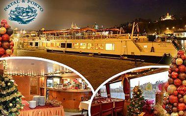 Dvouhodinová plavba lodí po Vltavě s bohatým rautem PRO DVA