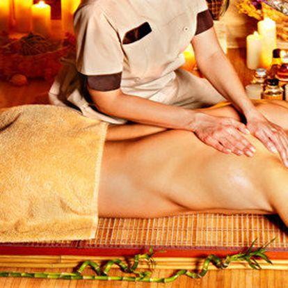Thajská masáž zad, šíje lávovými kameny a nahřátým olejem, spojená s pobytem v solné jeskyni