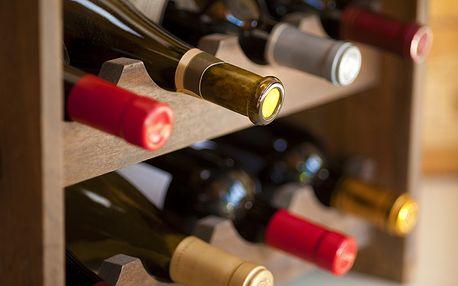 Dřevěné regály na víno