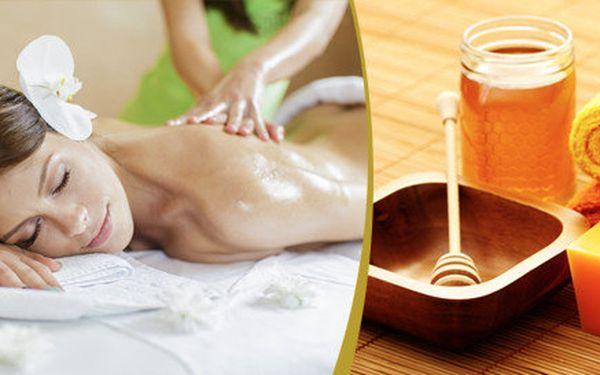 Hodinová Medová masáž se speciálním pumpovacím hmatem