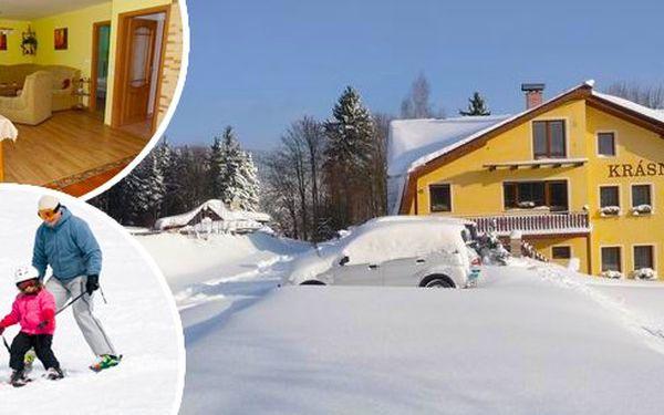 Lyžování s ubytováním na 3 dny v Jizerských horách. Útulný apartmán na klidném místě Jizerských hor. V ceně pobytu dětský lyžařský vlek! Vhodné pro rodiny!