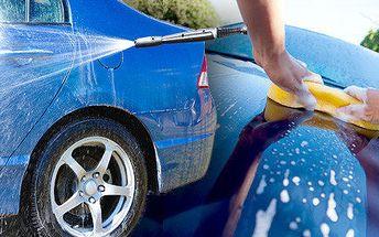 Kompletní ruční mytí + voskování automobilu