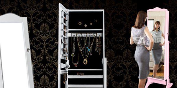 Kouzelné dřevěné zrcadlo se šperkovnicí: sen každé dívky i ženy!