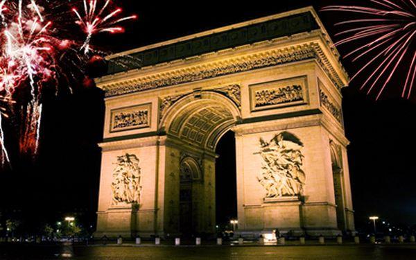 Silvestr v Paříži. Přivítejte nový rok pod Eiffelovou věží v romantickém městě nad Seinou. Termín 30.12.2014 - 1.1.2015.