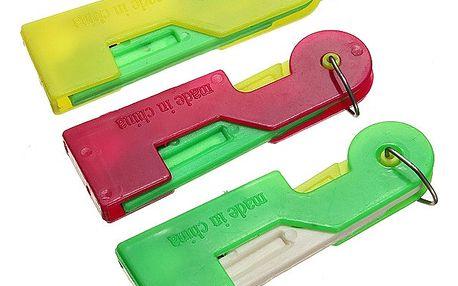 Plastový navlékač jehel - dodání do 2 dnů
