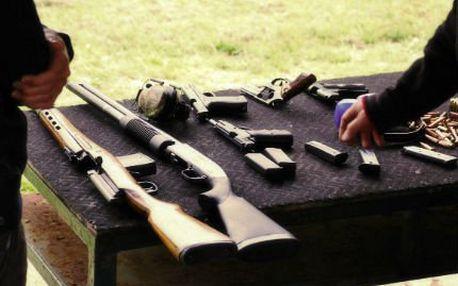 Zastřílejte si z několika zbraní na střelnici!