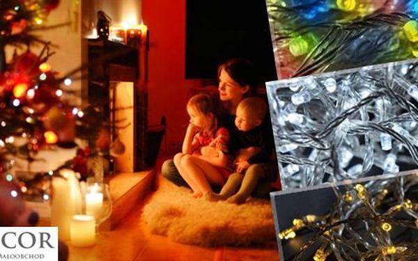Vánoční LED světýlka ve třech barvách - teplá či studená bílá nebo barevný mix. Úsporné, ale zároveň krásné. Ozdobte svůj stromeček LED světýlky a už nemusíte mít strach o bezpečnost ani o vysoké účty za elektřinu.